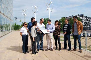 """De Pedro propone que el Ayuntamiento genere energía """"limpia y barata"""" a partir del viento, el sol y el agua"""