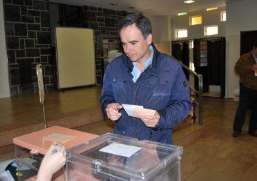 """De Pedro anima a la ciudadanía a votar para """"salir de esta situación de crisis"""""""