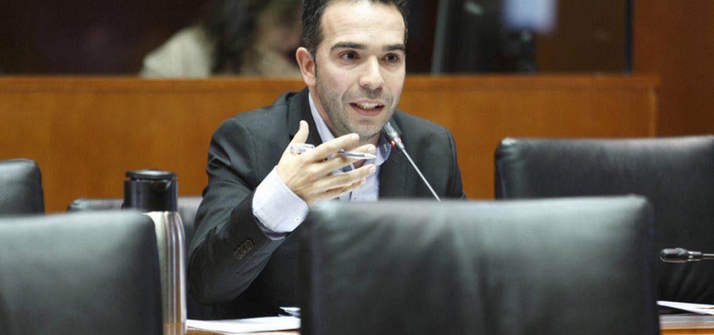 Las Cortes de Aragón aprueban una iniciativa del PAR para garantizar las telecomunicaciones en el medio rural