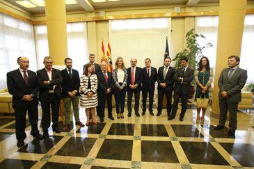 La DPT, que preside el aragonesista Ramón Millán, suscribe un convenio que permitirá extender la banda ancha a toda la población