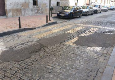 El PAR Zaragoza denuncia el lamentable estado de la calzada de la calle Predicadores y exige una solución definitiva