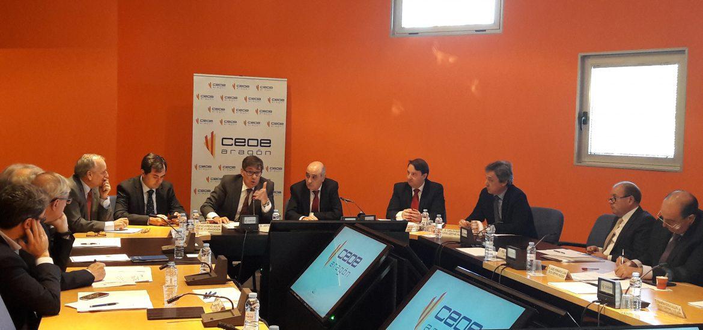 Arturo Aliaga analiza con el Comité Ejecutivo de CEOE Aragón la urgencia de contar con Presupuestos para 2017 y  recuperar las partidas de inversión