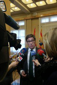 Aliaga insta a los partidos y a la sociedad aragonesa a defender la continuidad de la térmica de Andorra y los 4.000 puestos de trabajo que dependen de ella