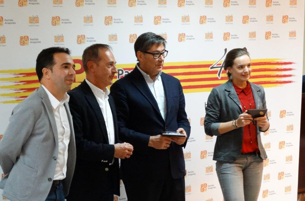 Guerrero, Serrano, Aliaga y Guillén durante el homenaje a los militantes
