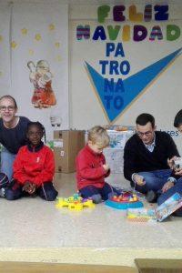 Jóvenes Aragoneses – Rolde y Par Zaragoza entregan decenas de juguetes y alimentos al Patronato de Nuestra Señora los Dolores