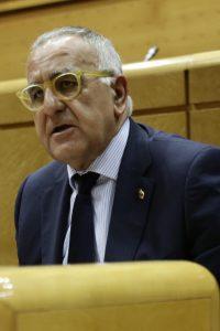 El senador del PAR Clemente Sánchez-Garnica lleva a los Presupuestos el problema de los interinos